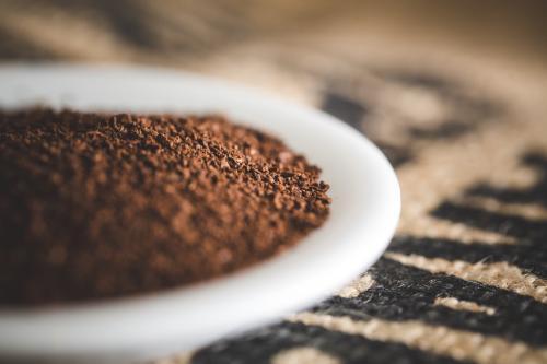 Damit die Aromen in dem Cold BRew richtig gut extrahieren ist der richtige Mahlgrad besonders entscheident und wichtig.