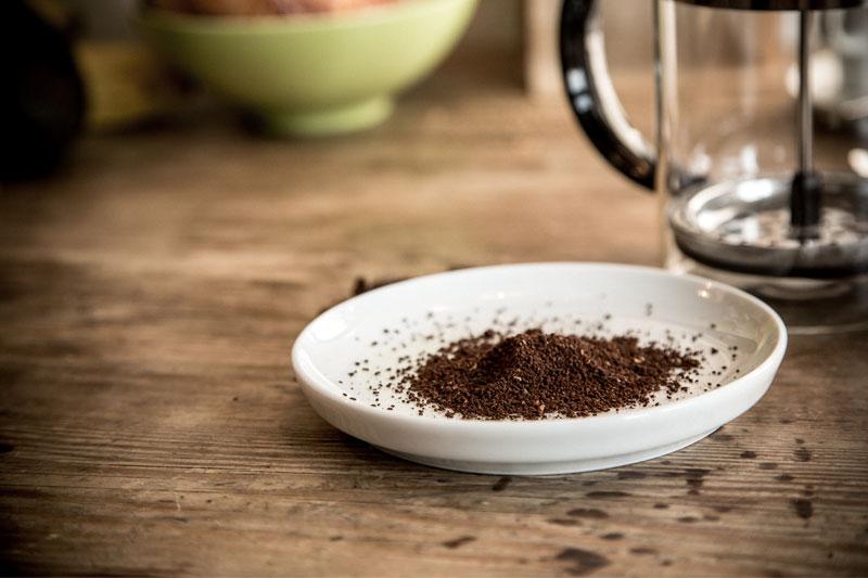 Grob gemahlener Kaffee wird für die French Press empfohlen.